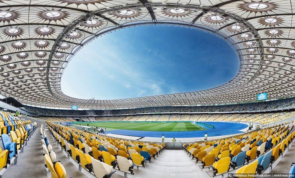 Стюарды на НСК Олимпийский