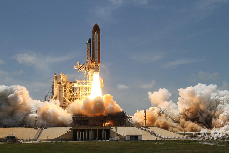 Запуск ракеты - шаттла